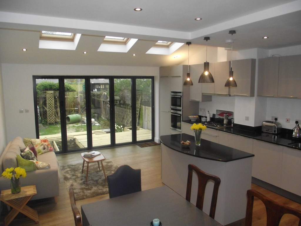 Building Refurbishment in Hedge End, Southampton - Kitchen Fitting